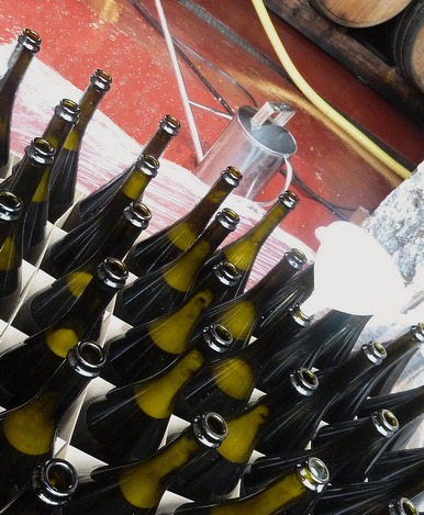 Bottling Time - Champagne - Magnums Rachais 2011 - hand-made